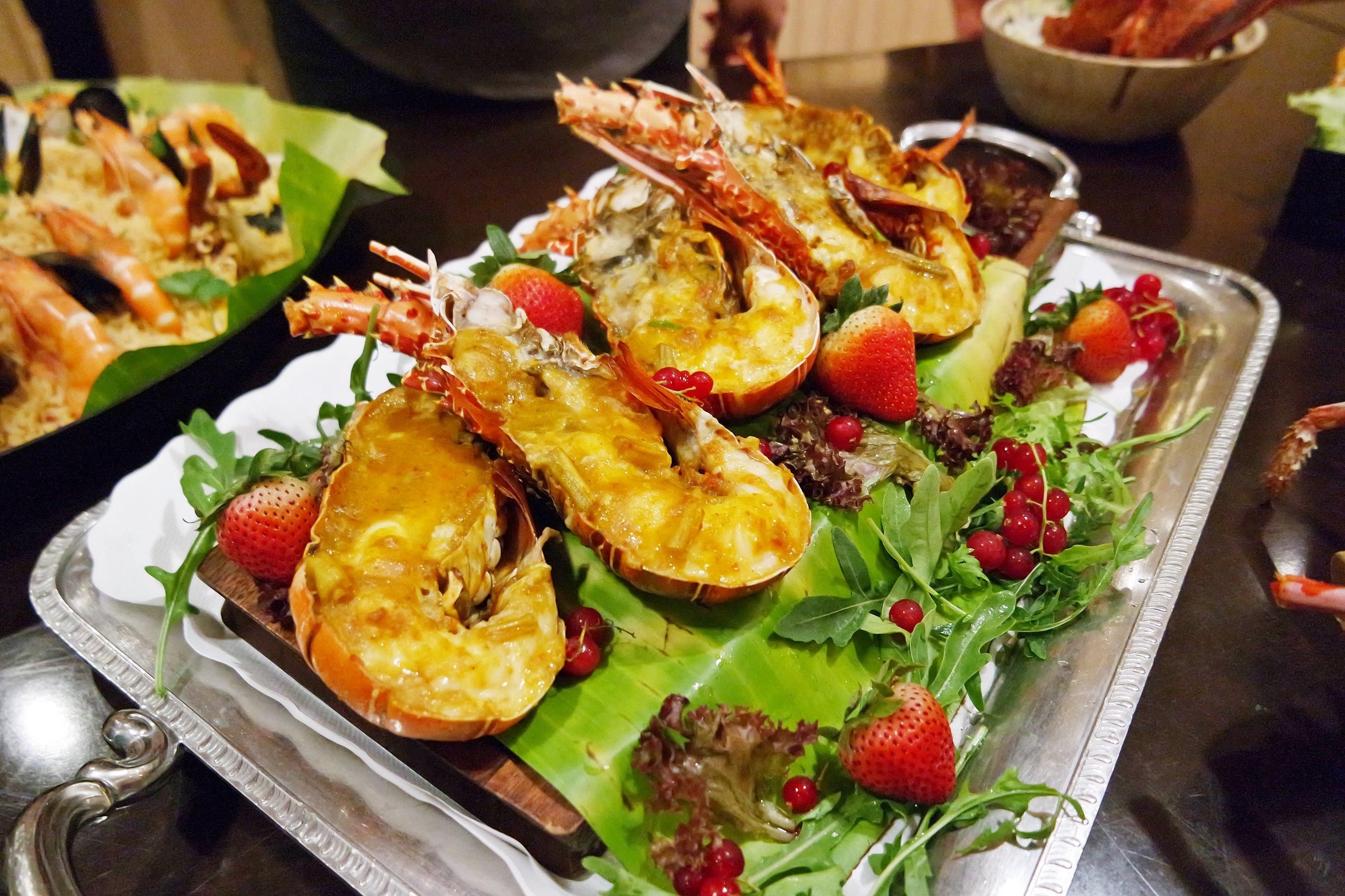 Lobster Parkroyal Kitchener Road