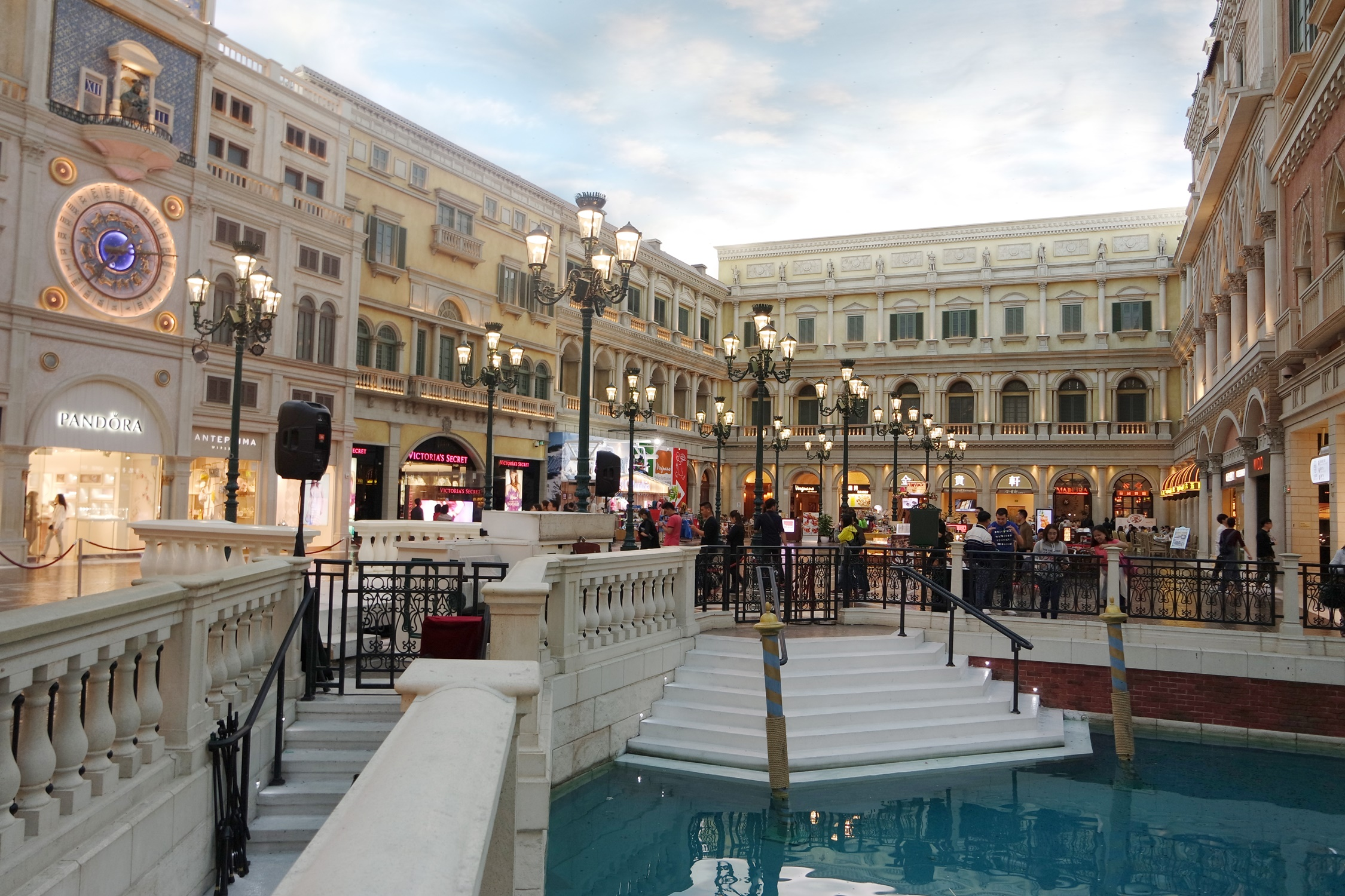 The Venetian Macao Shopping Mall - Sands Shoppes