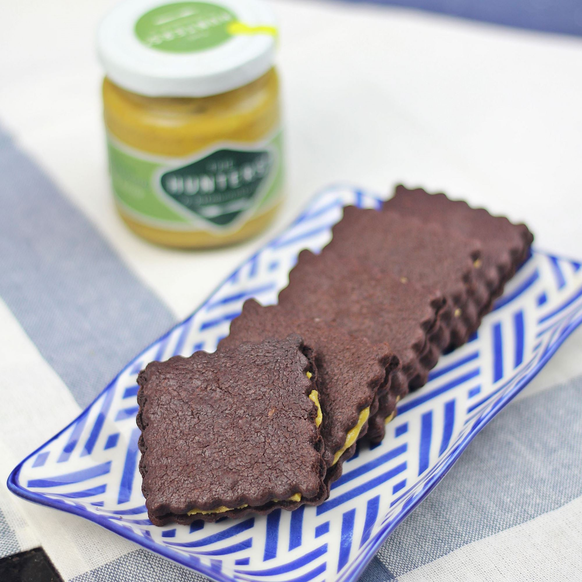 Chocolate Sandwich Biscuits with Pistachio cream