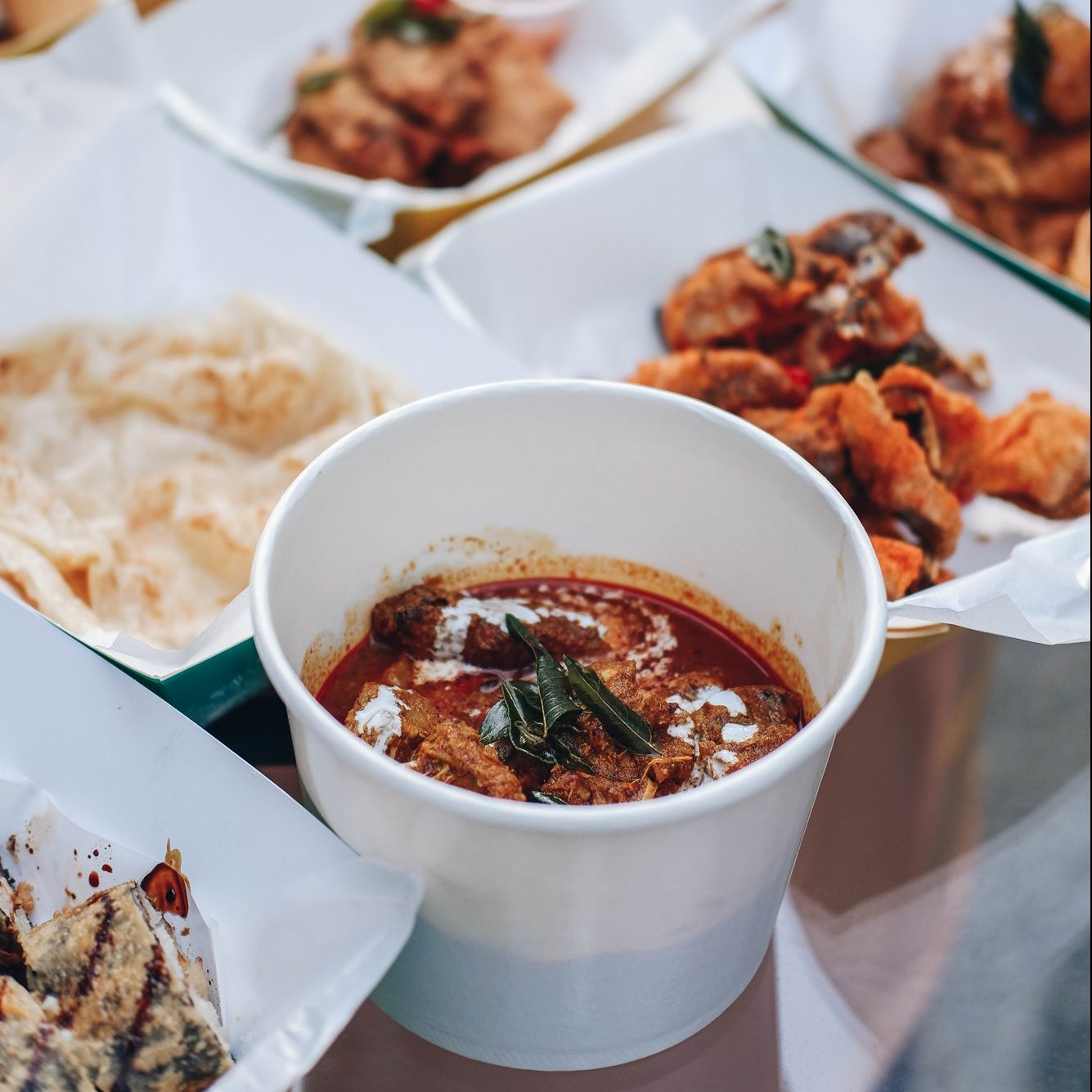 """""""Curry Your Favour"""" Chicken - Bugis Café - Outdoor Beers and Delights @ Studio M Hotel Singapore"""