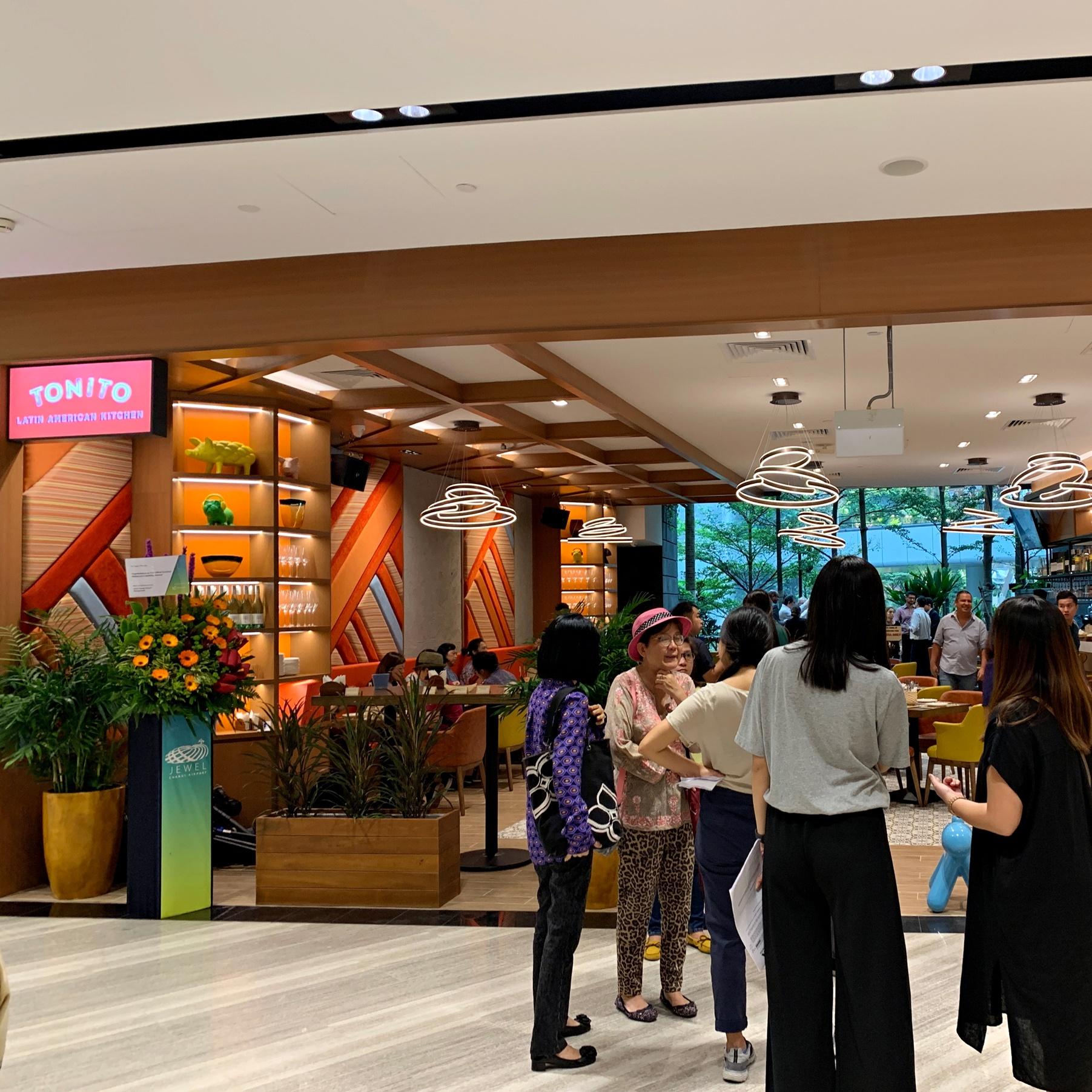 Tonito_Jewel Changi Airport
